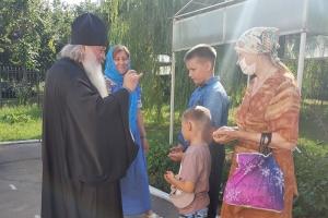 В канун Дня Крещения Руси митрополит Тихон совершил богослужение в храме святого Александра Невского