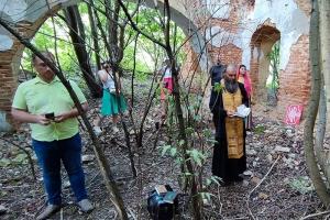 В разрушенном храме во Мценском районе отслужен молебен преподобномученику Сергию Шеину