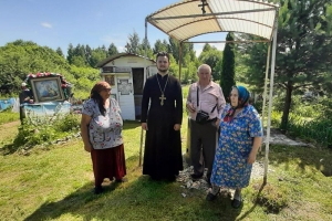 На источнике в Хотынецком районе возрождена традиция молебнов