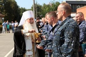 Владыка Тихон благословил орловских полицейских перед служебной командировкой на Северный Кавказ
