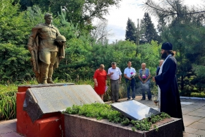 В Лаврово молились о павших воинах-освободителях
