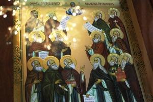 В канун Недели 18-й по Пятидесятнице Архипастырь возглавил всенощное бдение в Ахтырском кафедральном соборе