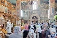 В Неделю 7-ю по Пасхе митрополит Орловский и Болховский Тихон совершил Литургию в Свято-Никольском храме поселка Хотынец. 13 июня 2021 г.