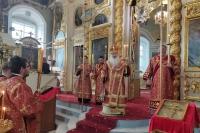В канун отдания праздника Пасхи митрополит Орловский и Болховский Тихон совершил всенощное бдение в Ахтырском кафедральном соборе Орла. 8 июня 2021 г.