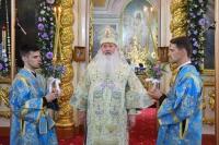 В день празднования Ахтырской иконе Божией Матери митрополит Орловский и Болховский Тихон совершил Литургию в Ахтырском кафедральном соборе Орла. 15 июля 2021 г.