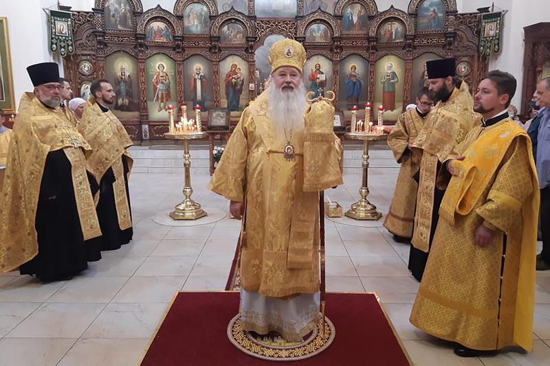 Митрополит Тихон совершил богослужение в храме св. Матроны в канун Недели 14-й по Пятидесятнице