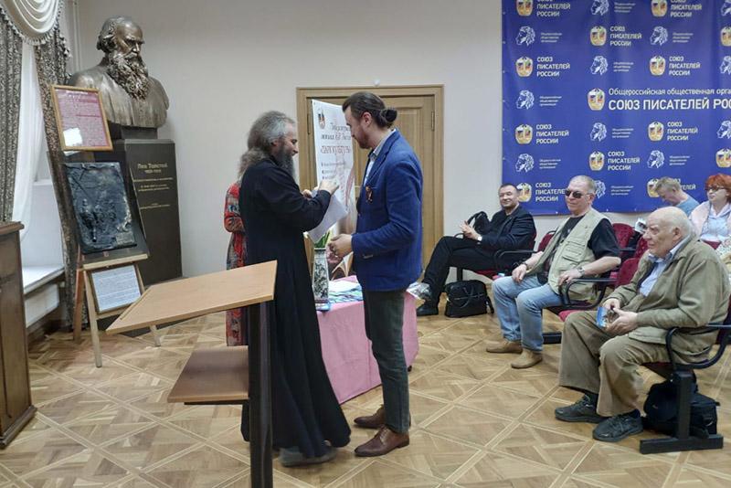 Священник Владимир Герченов: «Писатель, будучи верующим человеком, уже не может видеть мир иначе, как только евангельской точки зрения»